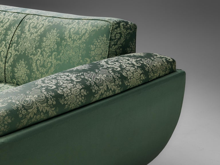 Italian Art Deco Sofa in Floral Patterned Upholstery For Sale 1