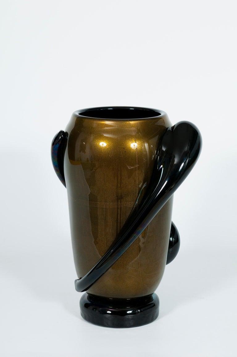 Italian Art Deco Vase Black and Gold 24 Karat in Blown Murano Glass, 1980s For Sale 1