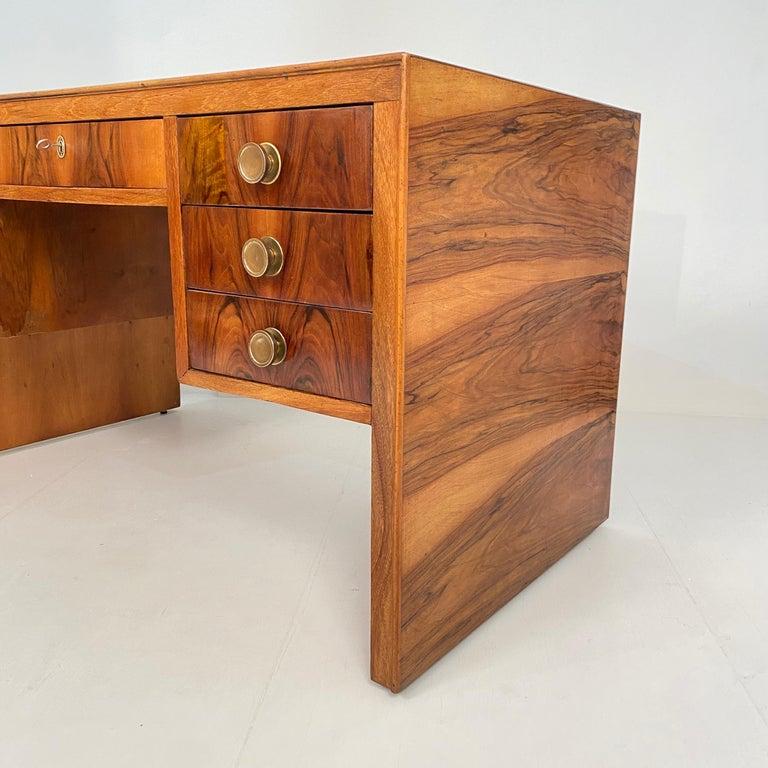 20th Century Italian Art Deco Writing Desk in Brown Walnut, Linoleum and Brass, circa 1930