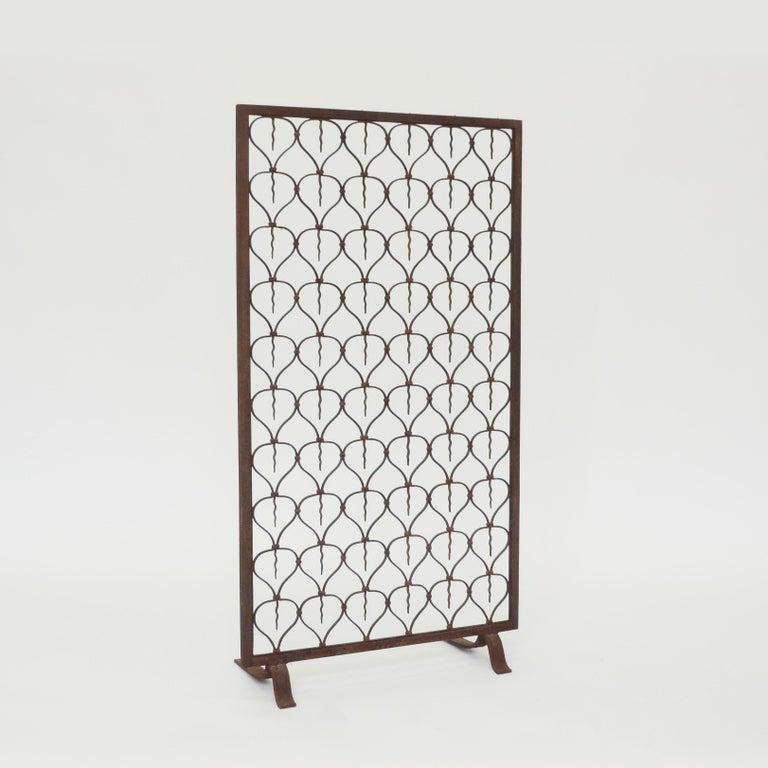 Italian Art Deco wrought iron fire screen, 1920s.