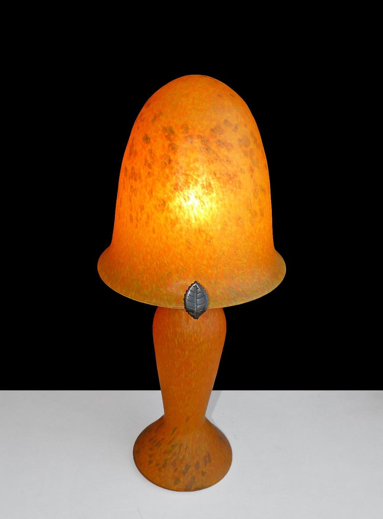 Italian Art Nouveau and Art Deco Mushroom Murano Table Lamp in Amber Glass Paste For Sale 5