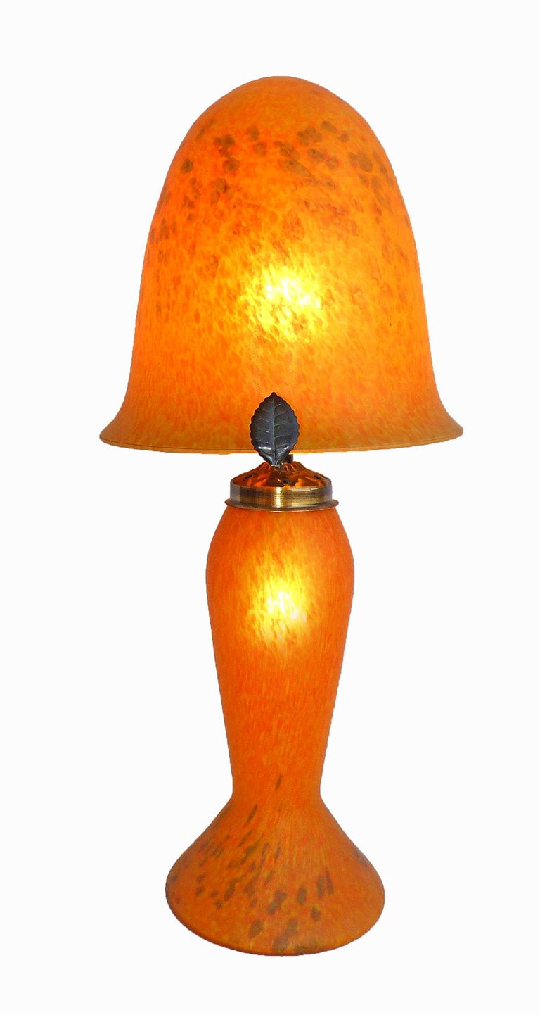 Italian Art Nouveau and Art Deco Mushroom Murano Table Lamp in Amber Glass Paste In Excellent Condition For Sale In Coimbra, PT