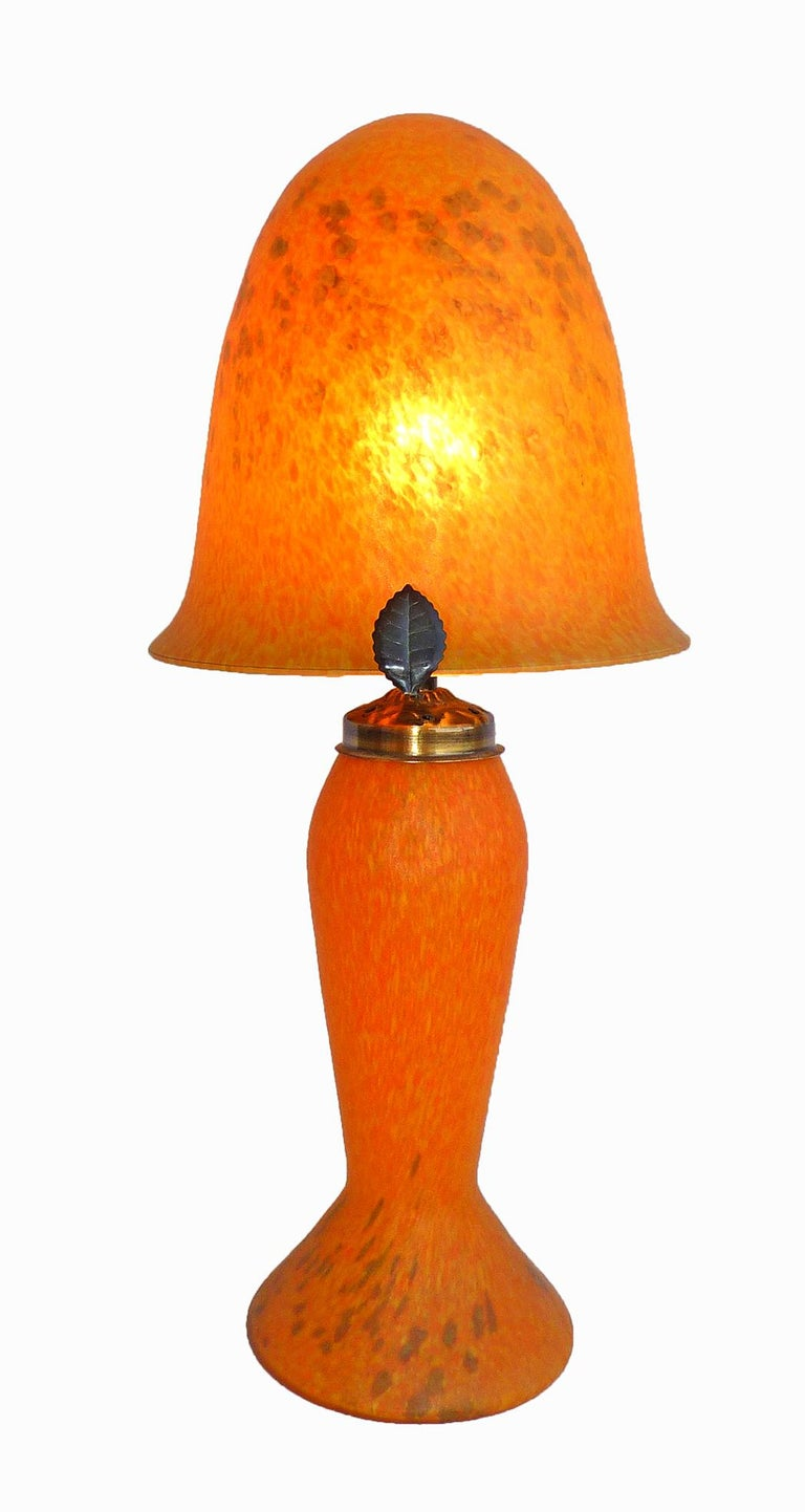 20th Century Italian Art Nouveau and Art Deco Mushroom Murano Table Lamp in Amber Glass Paste For Sale