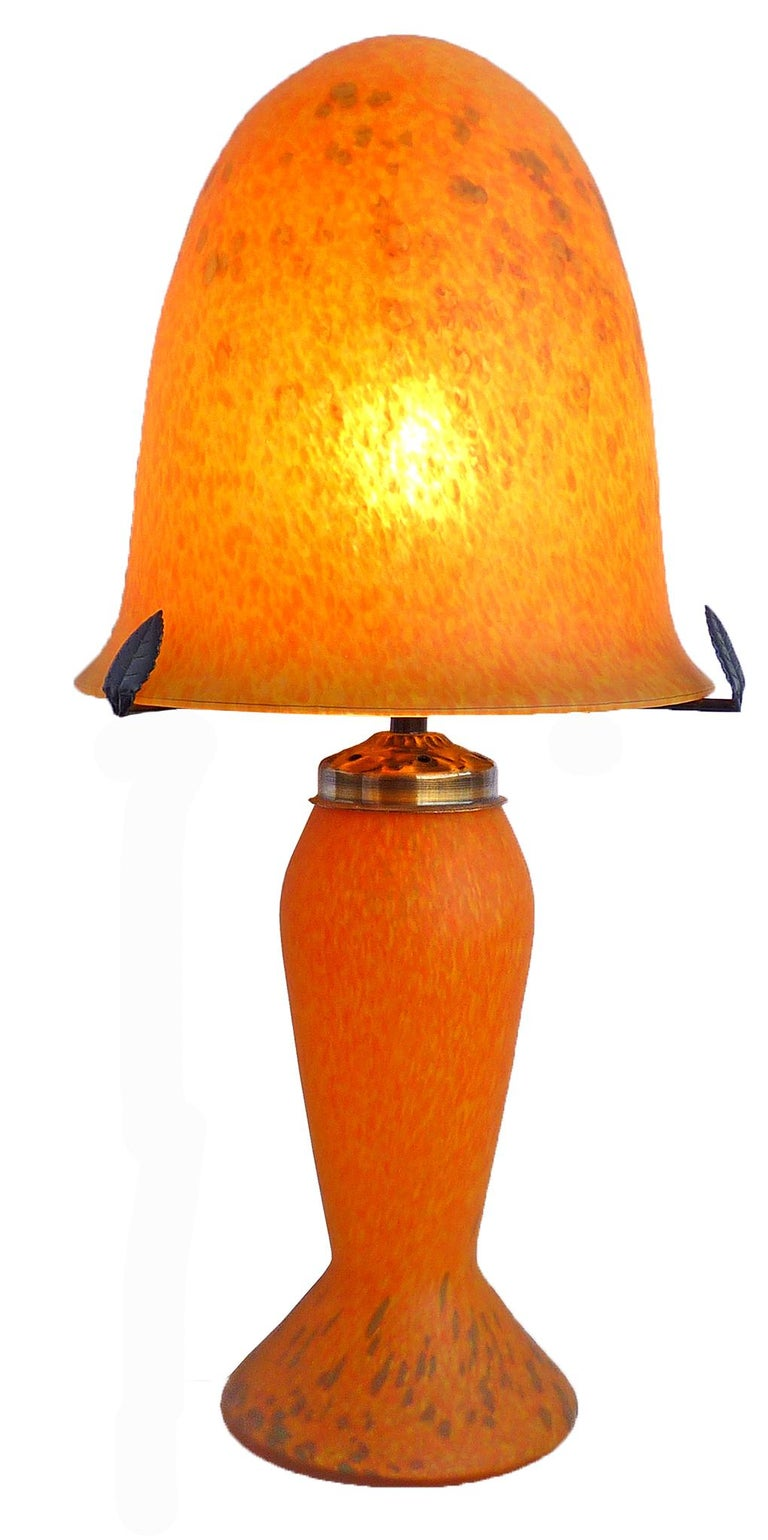 Italian Art Nouveau and Art Deco Mushroom Murano Table Lamp in Amber Glass Paste For Sale 1