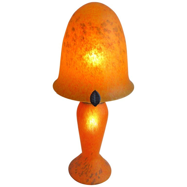 Italian Art Nouveau and Art Deco Mushroom Murano Table Lamp in Amber Glass Paste For Sale