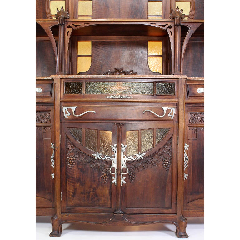 Italian Art Nouveau Carved Walnut Credenza Buffet, Vittorio Valabrega For Sale 4