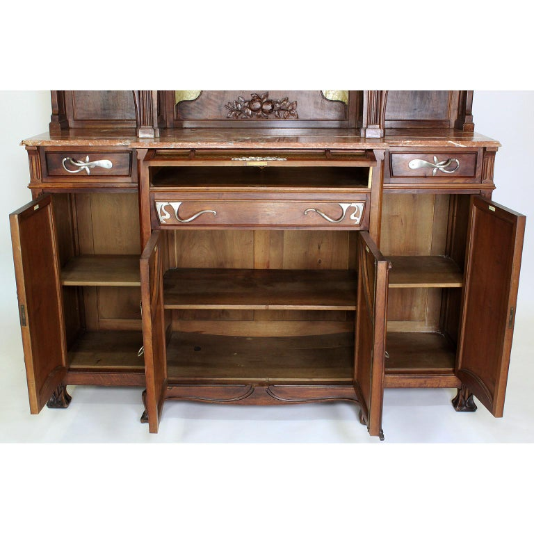 Italian Art Nouveau Carved Walnut Credenza Buffet, Vittorio Valabrega For Sale 10