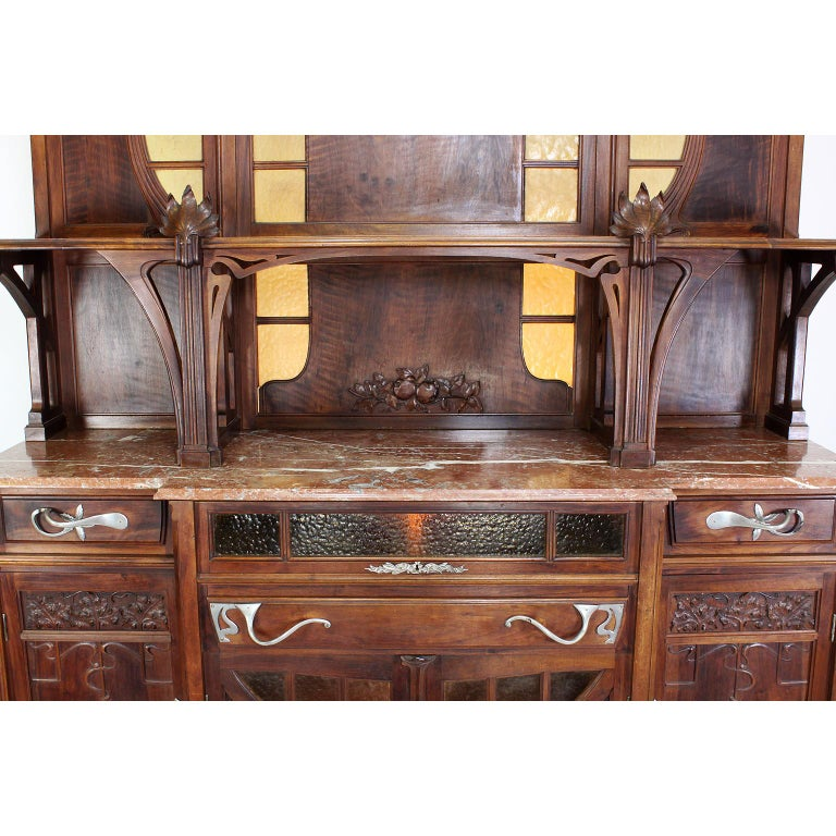 Italian Art Nouveau Carved Walnut Credenza Buffet, Vittorio Valabrega For Sale 1
