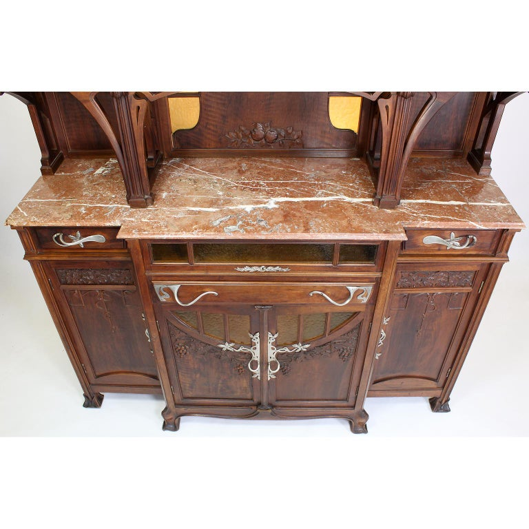 Italian Art Nouveau Carved Walnut Credenza Buffet, Vittorio Valabrega For Sale 2