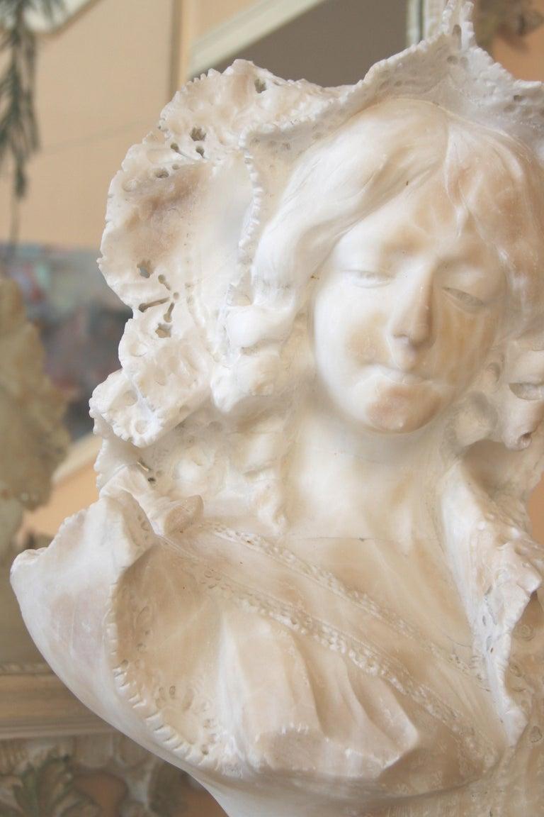 Italian Art Nouveau Marble Sculpture For Sale 1