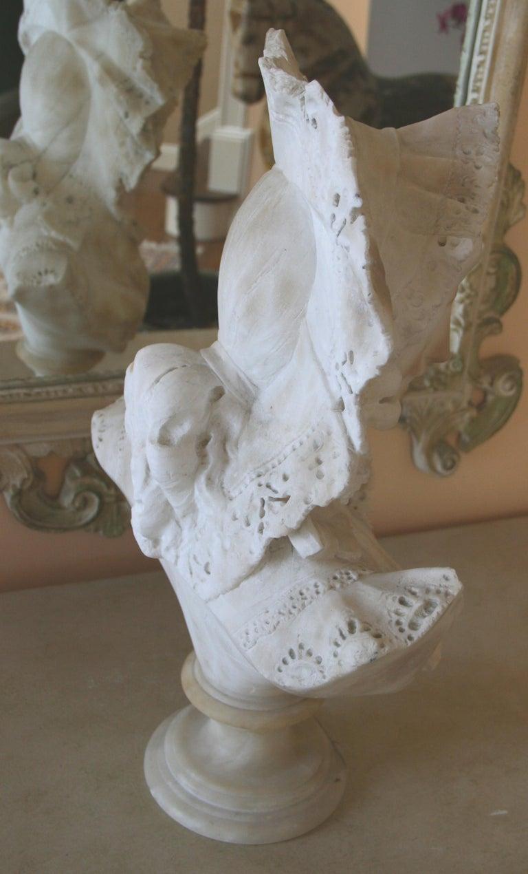 Italian Art Nouveau Marble Sculpture For Sale 3