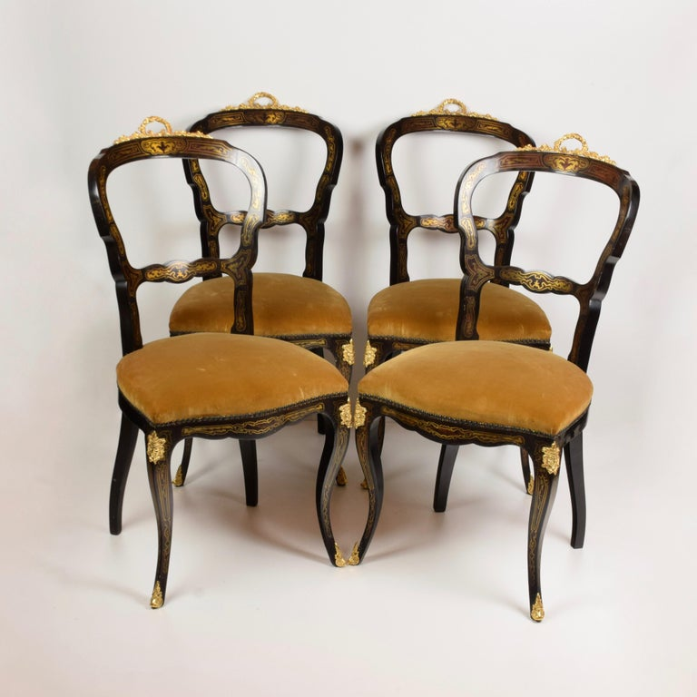Ebonized Italian Artisan Reproduction of the 1960s Game Table with 4 Chairs Wood Brass For Sale