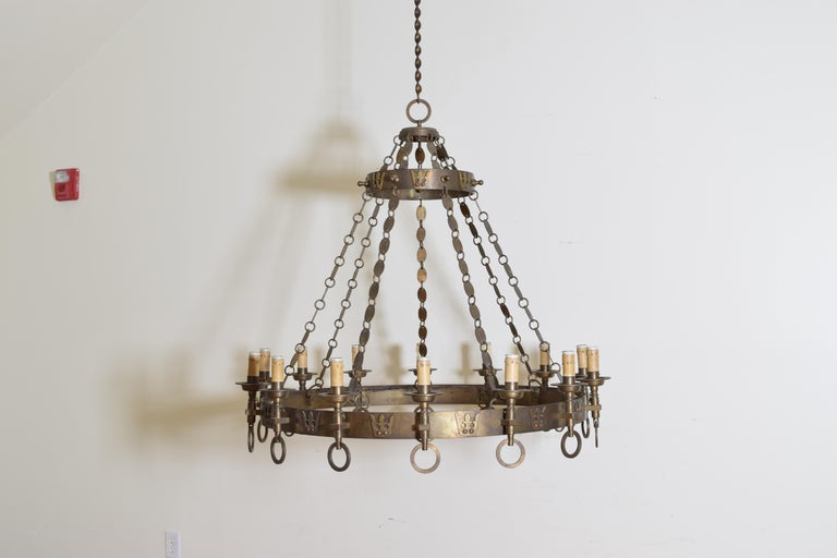 Italian Arts & Crafts Period Brass 14-Light Chandelier, circa 1900, UL Wired In Excellent Condition For Sale In Atlanta, GA