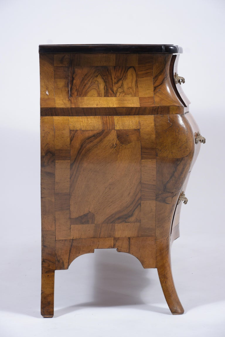 Italian Baroque Burl Dresser For Sale 5