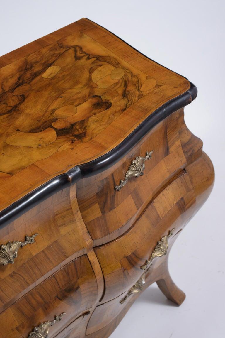 Italian Baroque Burl Dresser For Sale 3