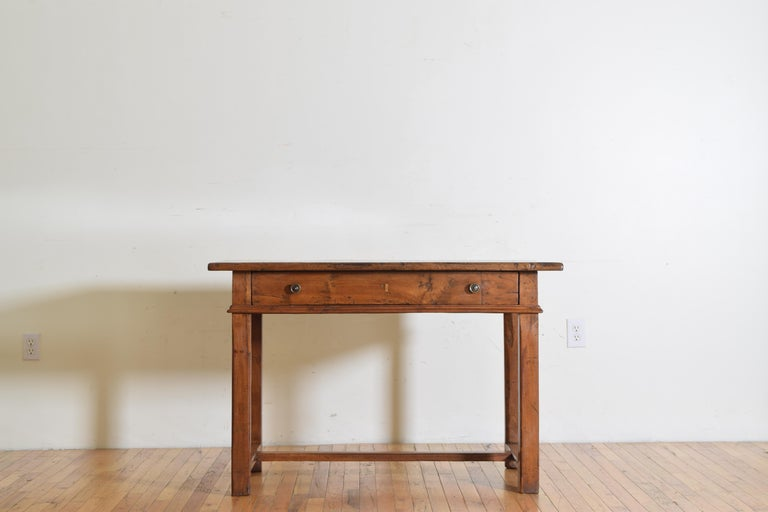 Italian Baroque Light Walnut 1-Drawer Center Table / Writing Table In Good Condition For Sale In Atlanta, GA