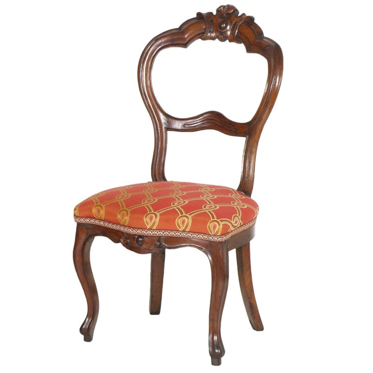 Hand-Carved Italian Baroque Louis Philippe Side Chairs or Slipper Chairs in Walnut, Restored For Sale