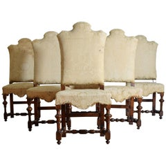 Italian Baroque Period Set of Six Turned Walnut Dining Chairs, 18th Century