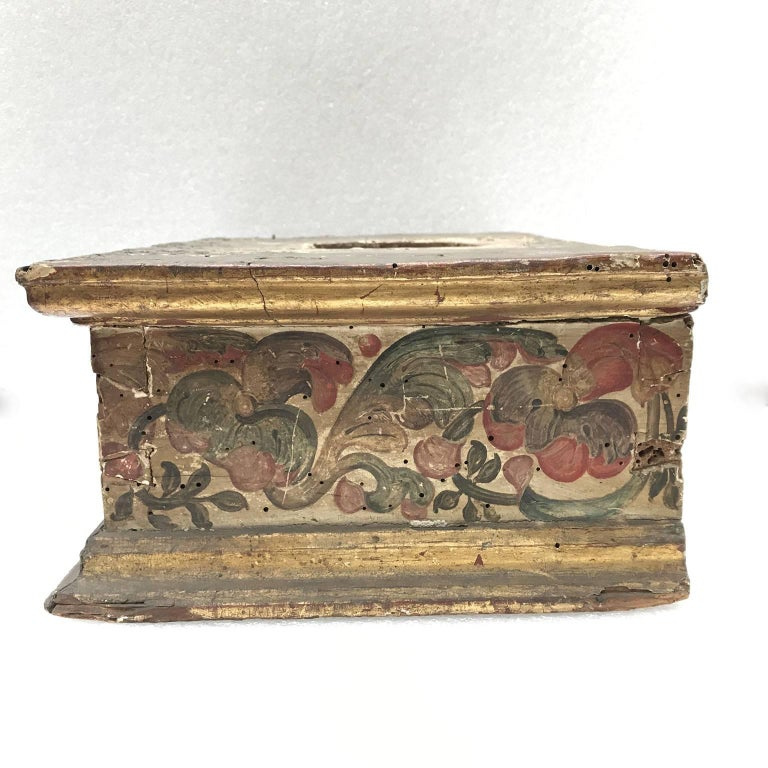 Spruce 17th Century Italian Baroque Basement Painted and Gilt Wood Sculpture Stand 1661 For Sale
