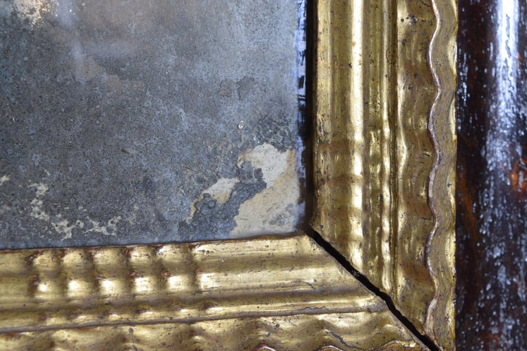 Italian Baroque Shaped & Faux Marble Painted & Carved Giltwood Mirror, 17th cen For Sale 5
