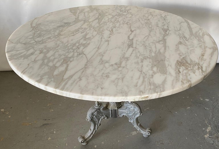 Italian Baroque Style Gilt Metal Pedestal Round Marble-Top Table In Good Condition For Sale In Great Barrington, MA