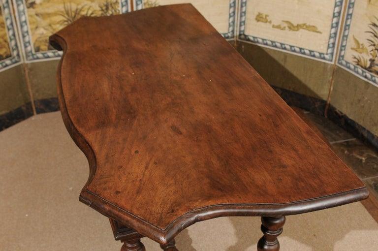 Italian Baroque Walnut Serpentine Console Table, Late 17th Century For Sale 7