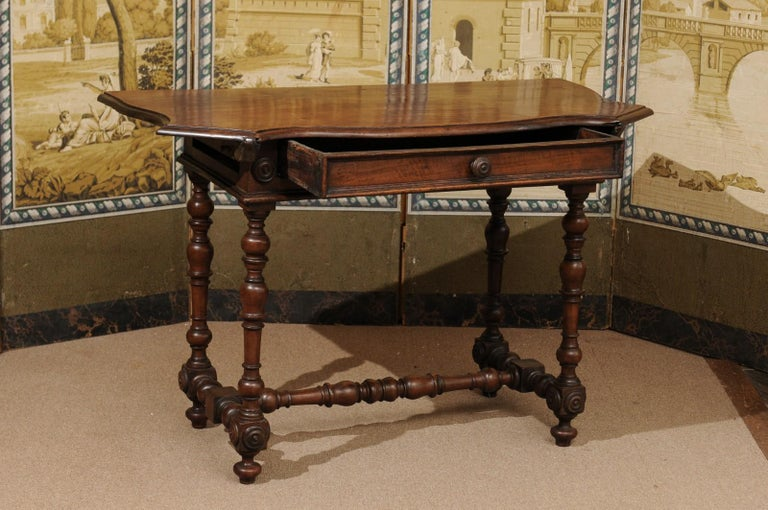 Turned Italian Baroque Walnut Serpentine Console Table, Late 17th Century For Sale