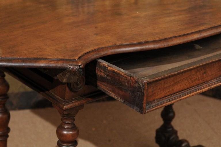 Italian Baroque Walnut Serpentine Console Table, Late 17th Century In Good Condition For Sale In Atlanta, GA