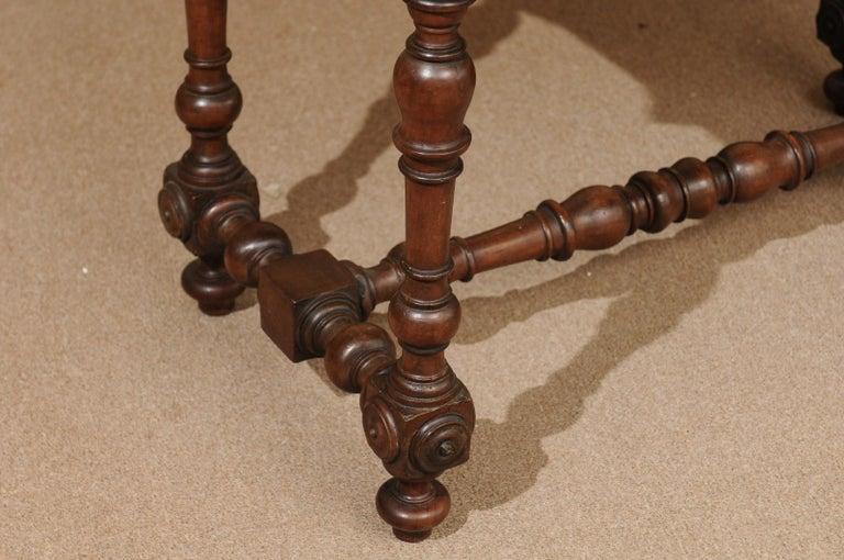 Italian Baroque Walnut Serpentine Console Table, Late 17th Century For Sale 2