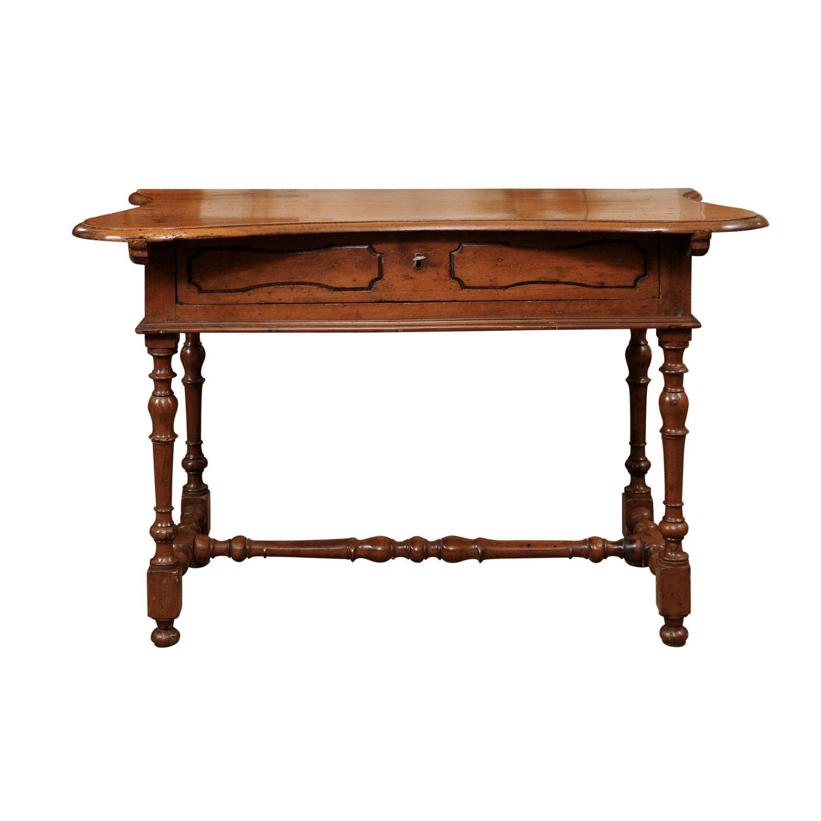 Italian Baroque Walnut Serpentine Console Table, Late 17th Century