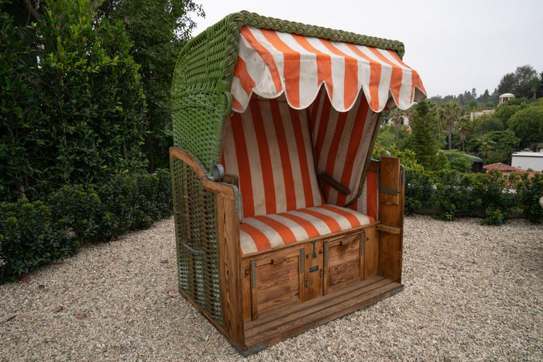 Italian Beach Cabana, circa 1920 In Distressed Condition For Sale In Los Angeles, CA