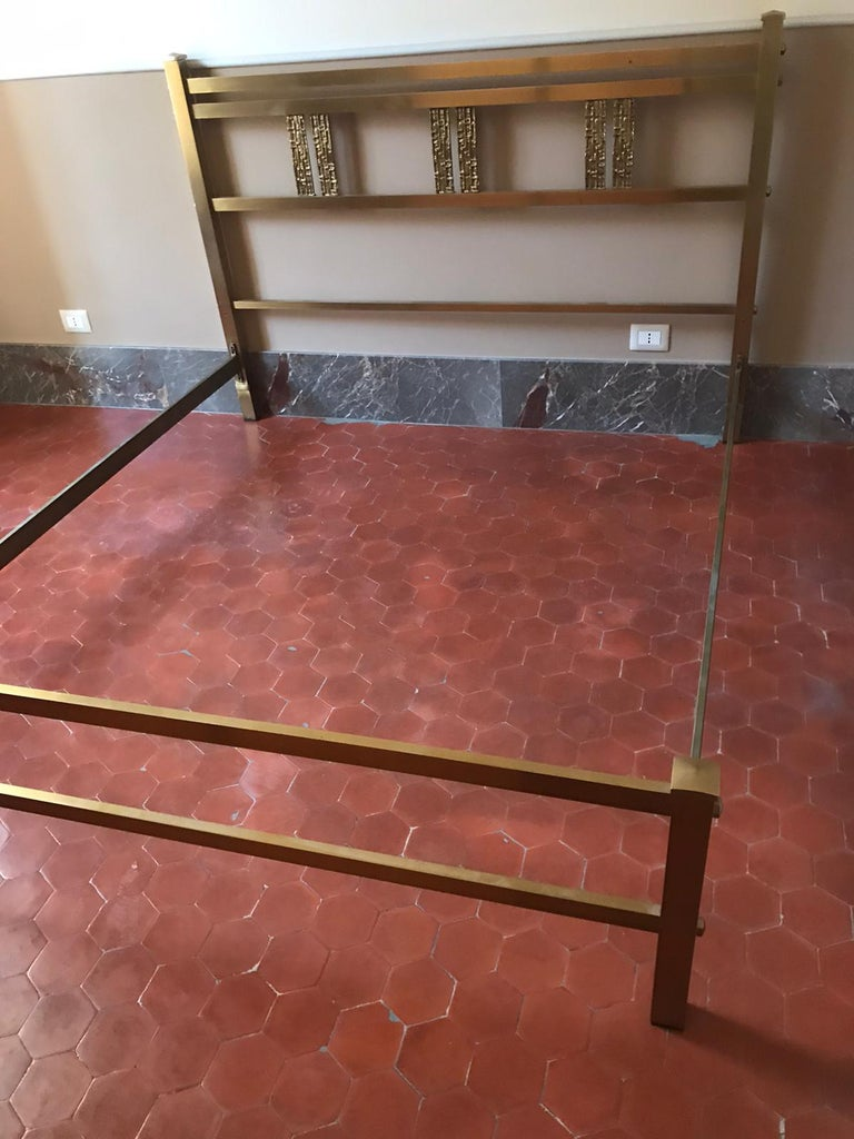 Italian Bed in Brass and Bronze by Luciano Frigerio, circa 1960 For Sale 2