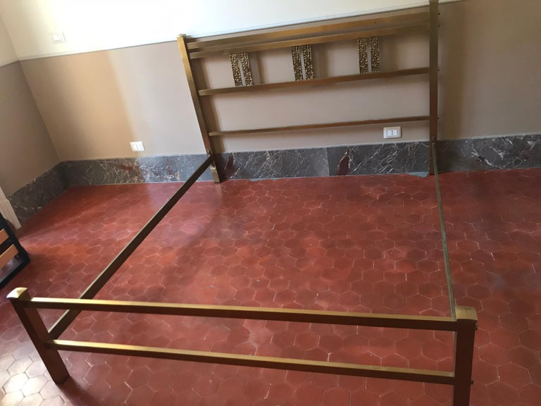 Italian Bed in Brass and Bronze by Luciano Frigerio, circa 1960 For Sale 3