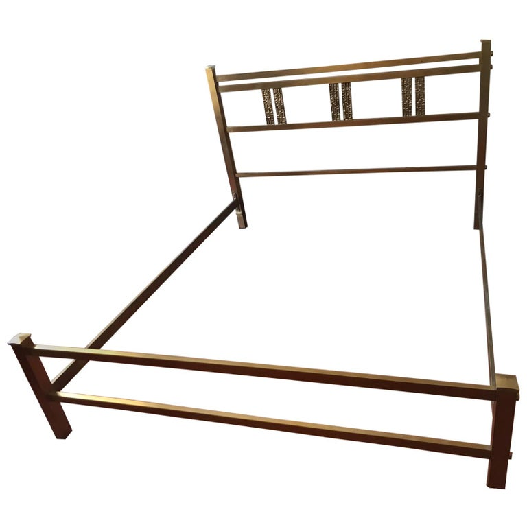 Italian Bed in Brass and Bronze by Luciano Frigerio, circa 1960 For Sale