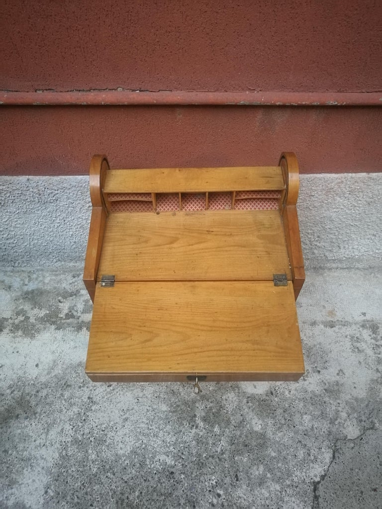 Italian Beech Entrance Cabinet, 1950s In Good Condition For Sale In MIlano, IT