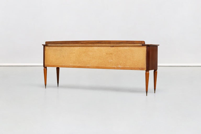 Italian Beechwood, Rosewood and Brass Chest of Drawers by Dassi, 1950s In Good Condition For Sale In MIlano, IT