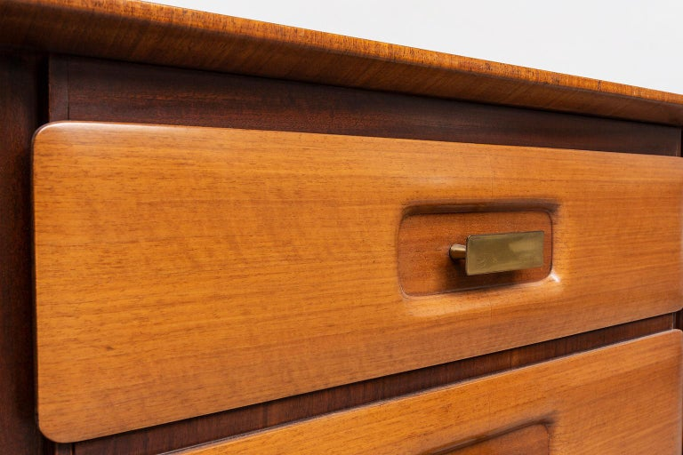 Italian Beechwood, Rosewood and Brass Chest of Drawers by Dassi, 1950s For Sale 4