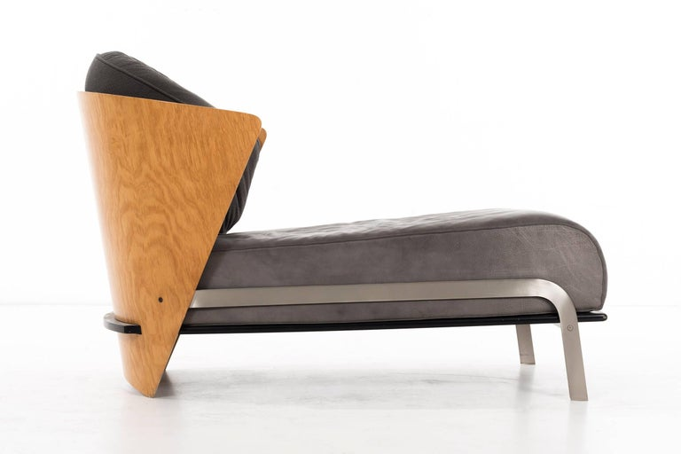 Mid-Century Modern Italian Bentwood and Leather Chaise by Franco Raggi For Sale