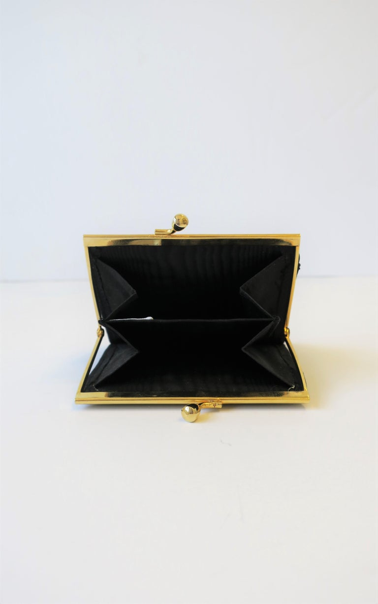 Italian Black and Gold Change Purse Wallet with 18th Century Oil Painting Design In Excellent Condition For Sale In New York, NY