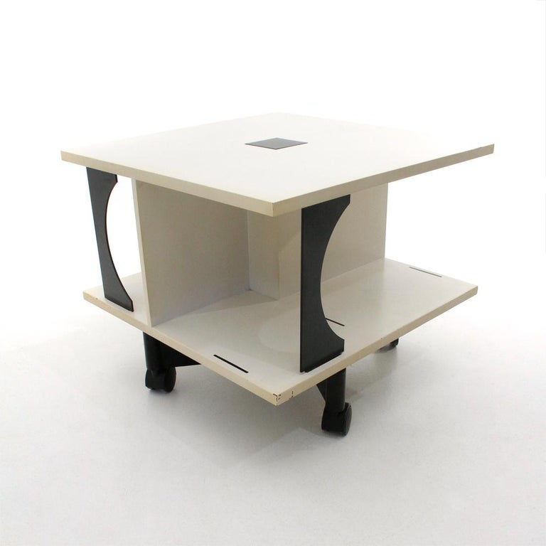 Italian Black and White Coffee Table by Anna Castelli Ferrieri for Kartell, 1980 In Good Condition In Savona, IT