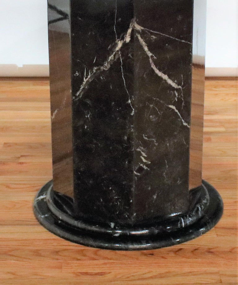 Italian Black and White Marble Pedestal Table, 1970s For Sale 5