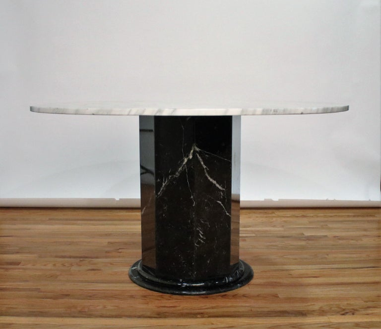 Post-Modern Italian Black and White Marble Pedestal Table, 1970s For Sale