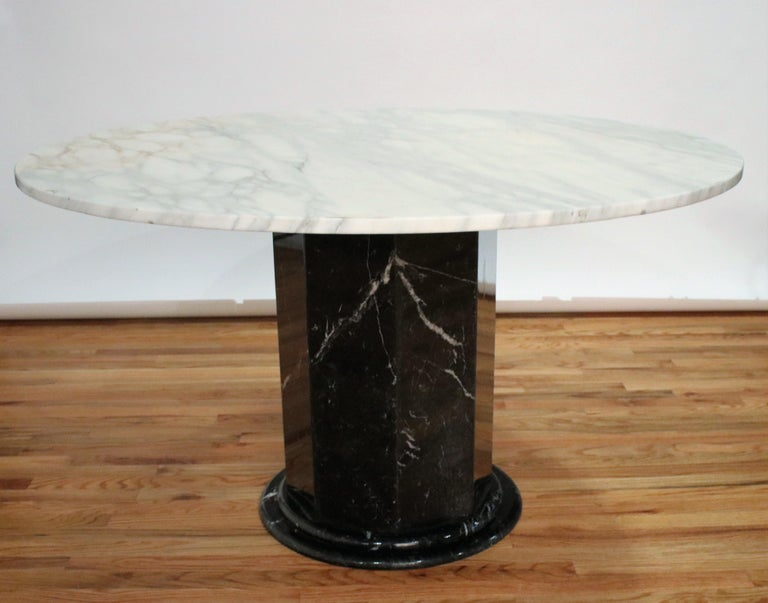 Italian Black and White Marble Pedestal Table, 1970s In Good Condition For Sale In Chicago, IL