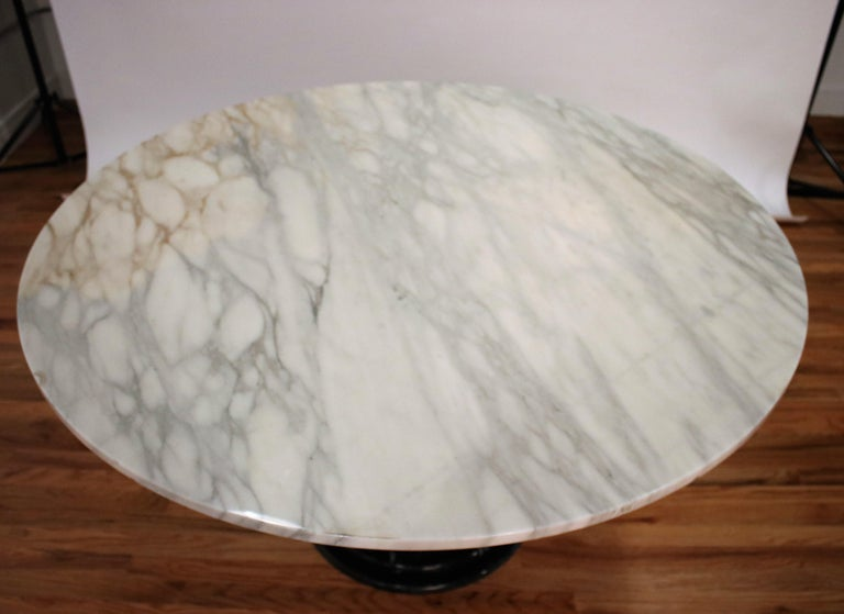 Italian Black and White Marble Pedestal Table, 1970s For Sale 2