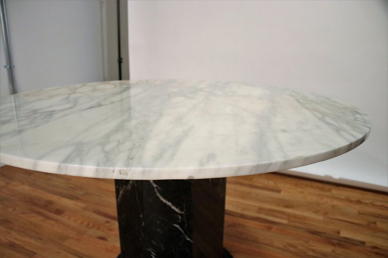 Italian Black and White Marble Pedestal Table, 1970s For Sale 4