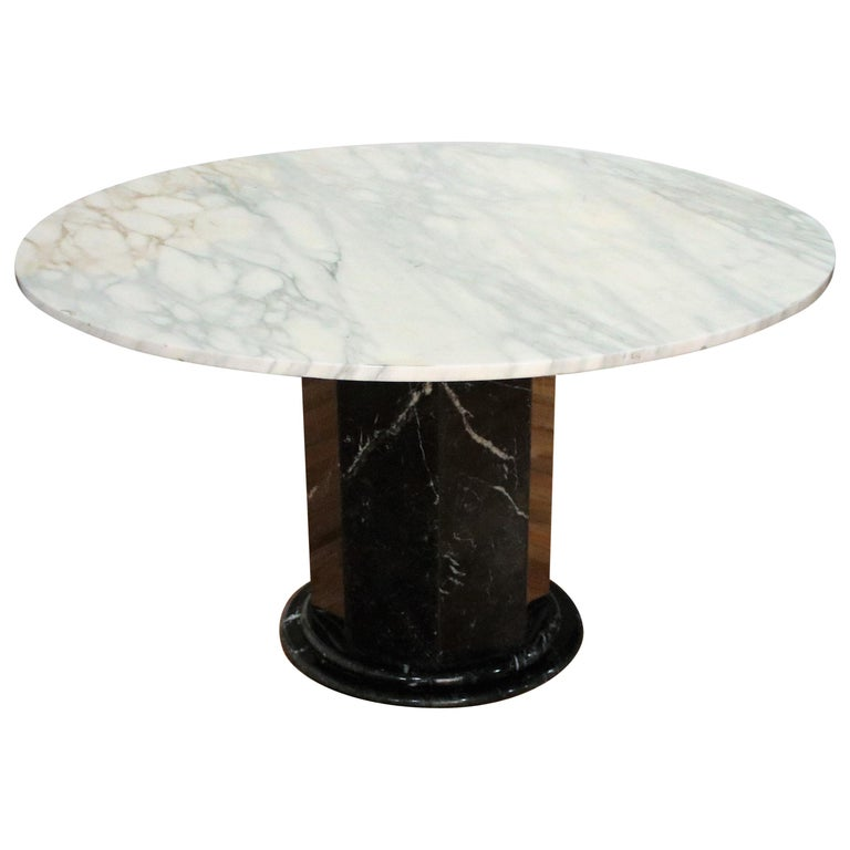 Italian Black and White Marble Pedestal Table, 1970s For Sale