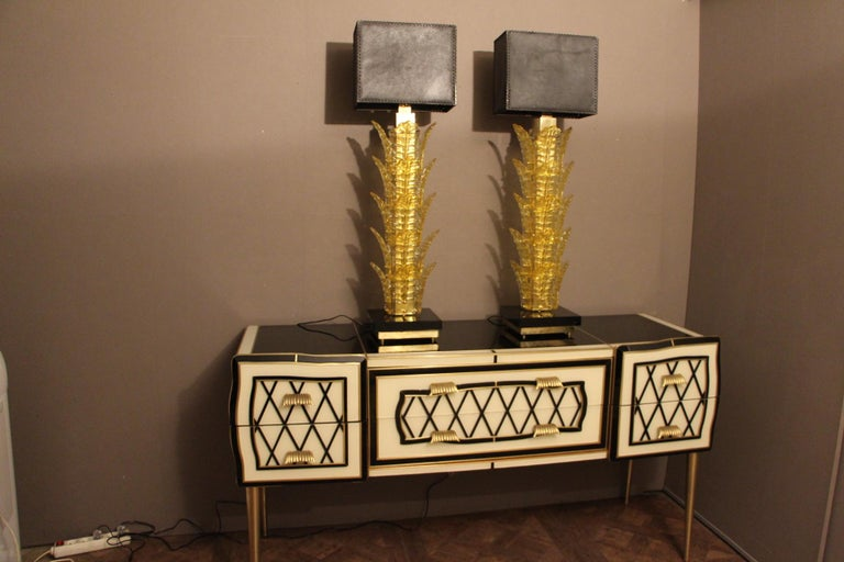 Italian Black and White Sideboard or Credenza in Glass and Brass Inlay Covered For Sale 8