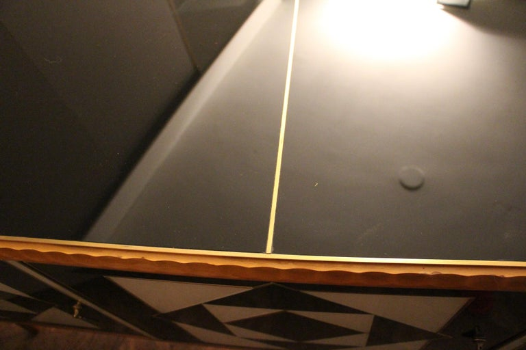 Italian Black and White Sideboard or Credenza in Murano Glass and Brass Inlay For Sale 8