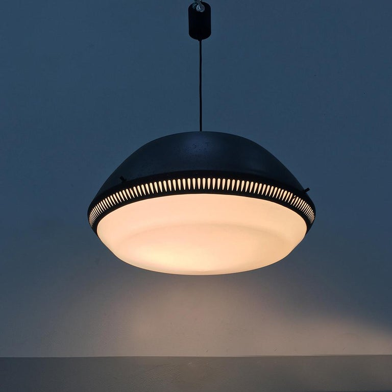 Italian Black Enameled Metal Chandelier by Gio Ponti for Greco, 1950s For Sale 1