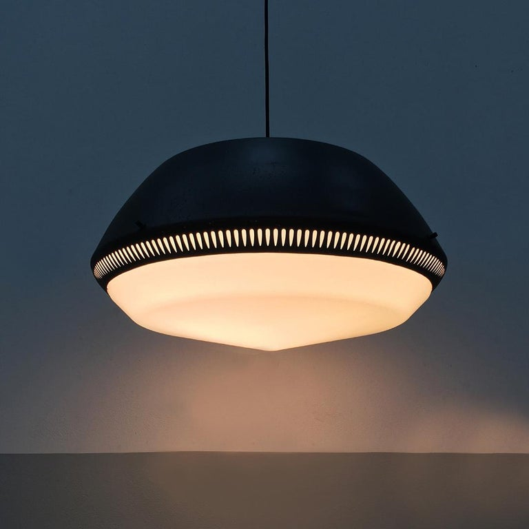 Italian Black Enameled Metal Chandelier by Gio Ponti for Greco, 1950s For Sale 2